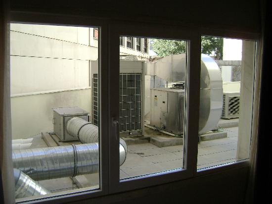 Hotel Alif Avenidas: Vistas de la habitación 107