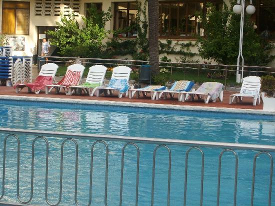 Jaime I Hotel : towels on sunbeds