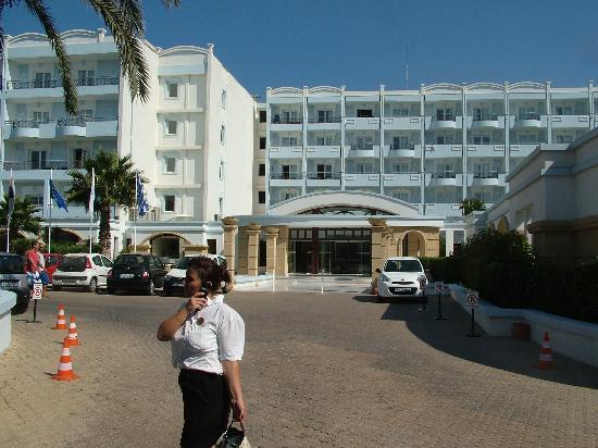 Mitsis Grand Hotel: Ingresso dell'albergo
