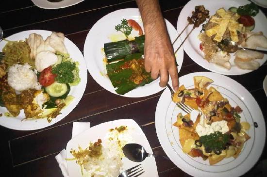 Warung Totemo : food + portion :D