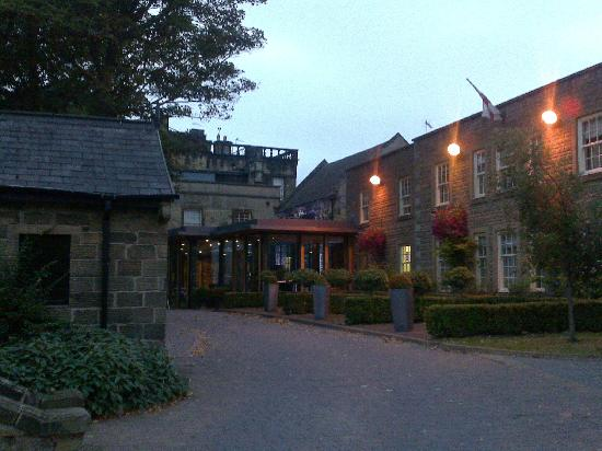 Best Western Plus Mosborough Hall Hotel: View from Car Park