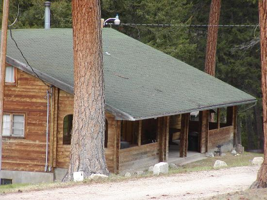 Lost Trail Hot Springs Resort: Sacajawea Lodge, sleeps 42