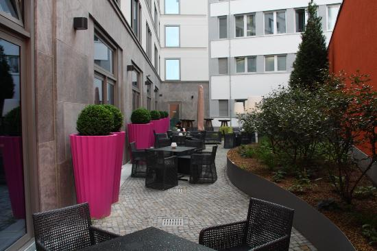 Adina Apartment Hotel Berlin Hackescher Markt: Adina Berlin Hackescher Markt