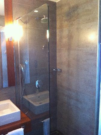 Senator Hotel Taksim: bathroom