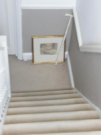 The Villes Bed & Breakfast: stairs leading the Golden room...