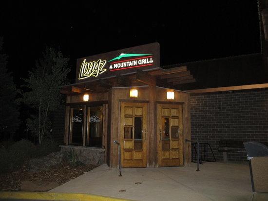 LongZ - A Mountain Grill: 外観。ホテルのロビーからも入店できる。