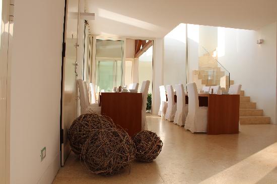 C-Rooms Bed & Breakfast: Breakfast room