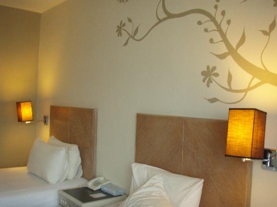 โรงแรมเดอะไฟฟ์ อิลิเม้นท์ส: Twin bed