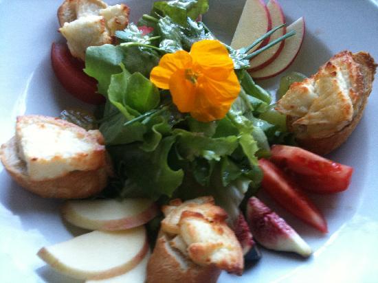 Les Quatre Saisons : salade chevre chaud