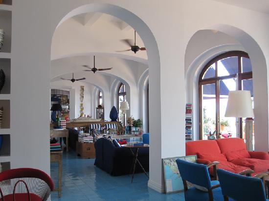 Maison La Minervetta: The hotel lobby/livingroom