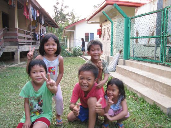 The Jesselton Hotel: the kids at the small rail station in Borneo