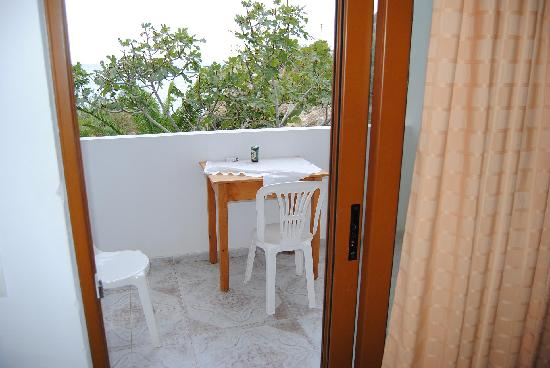 Lefkos, Greece: balcone vista