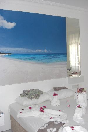 Bendis Beach Hotel: Chambre propre