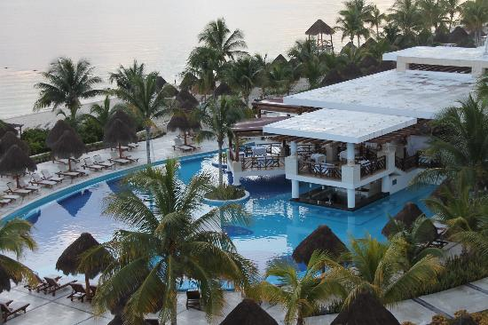 Excellence Playa Mujeres: Main Pool