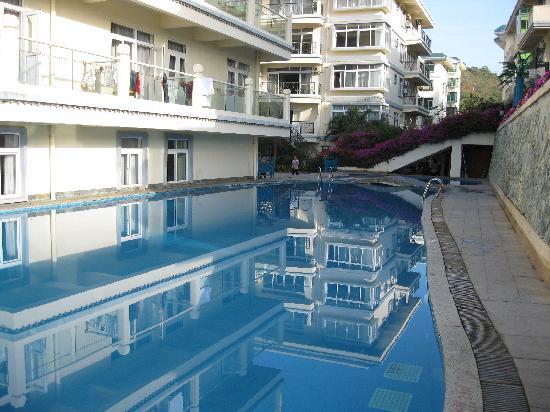 ليندا سيفيو هوتل: piscine exterieure