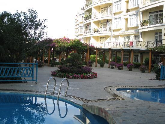 Linda Seaview Hotel: piscine et bassin enfant