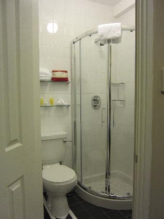 Number 7 Cross Street : Bathroom