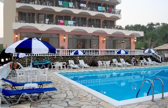 Eliana hotel bewertungen fotos preisvergleich dassia for Swimming pool preisvergleich