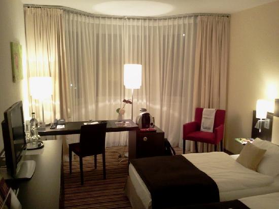 Mercure Hotel Hannover Medical Park: Privilege Room mit Schreibtisch