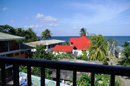 Hotel El Pirata Morgan: Balkon mit Blick auf die Bucht Süßwasser