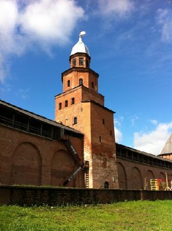 Nova Hostel: high tower in kremlin