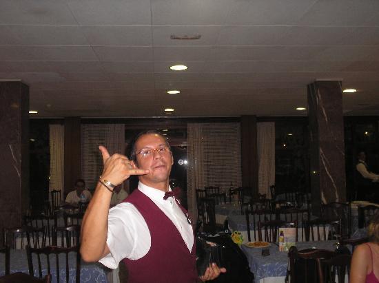 Hotel Acapulco Lloret de Mar : Max... un dés serveure trés trés sympas