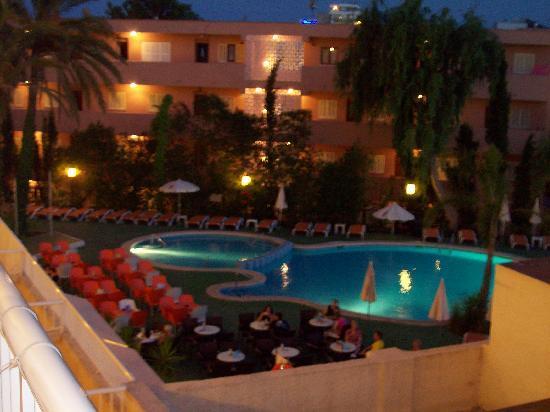 Hotel JS Alcudi-Mar: Pool