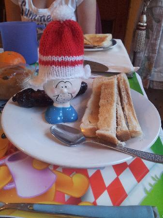 Kirkwood Guest House: Fun boiled egg character for Breakfast!