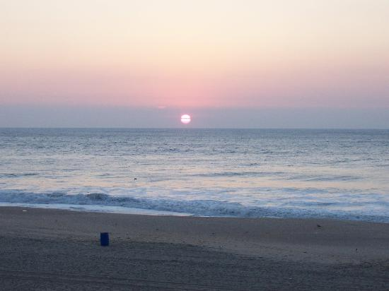 Ocean City Boardwalk : Sunrise from our room  at The Americana