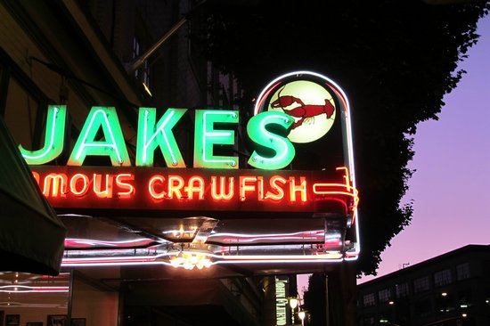 ‪Jake's Famous Crawfish‬