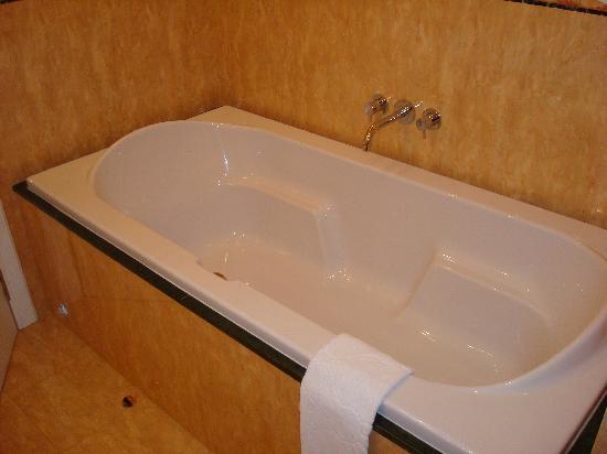 Arena di Serdica Residence Hotel: Bathroom