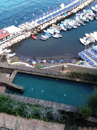 Maison La Minervetta: view of pool from room 9