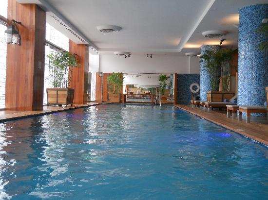 The Westin Lima Hotel & Convention Center : Heated swimming pool on the second floor