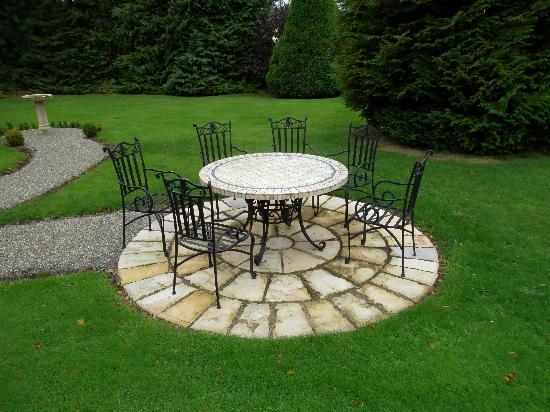 Ardmore Country House: giardino curatissimo