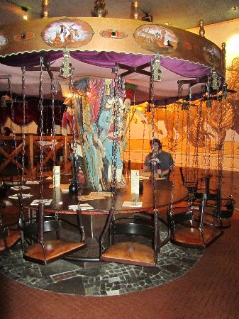crazy carousel table picture of sophienkeller dresden tripadvisor. Black Bedroom Furniture Sets. Home Design Ideas