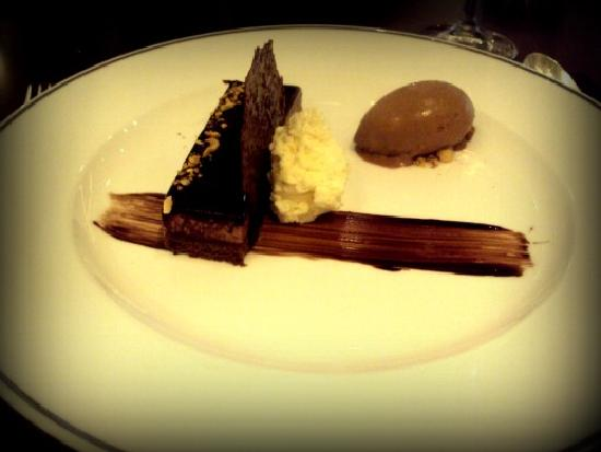 Seasons Restaurant : Layered chocolate mousse,