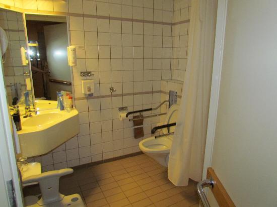 Scandic Ariadne: el baño