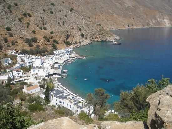 Sifis Hotel & Cafe Bistro: loutro from the coastal path.