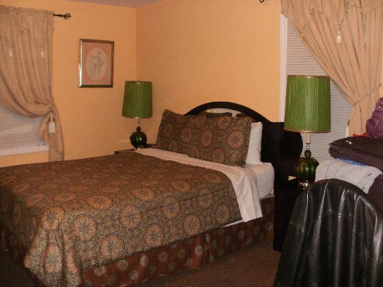 Jones Beach Hotel: Bedroom