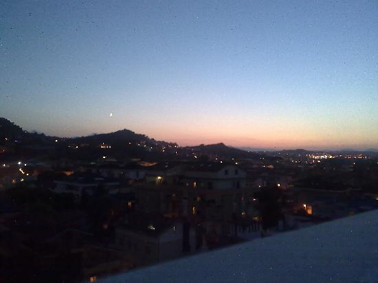 Montesilvano, Italien: vista terrazza notte
