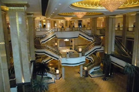Emirates Palace: Another foyer area leading to hotel rooms