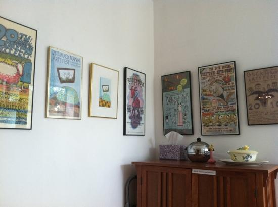 Ray's Bucktown Bed and Breakfast: some of the artwork