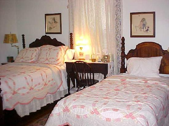 Green Cove Springs, Flórida: Clean comfortable guest room