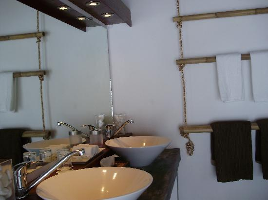 The Place Luxury Boutique Villas: Sink