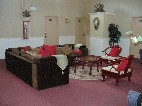 Bancroft, Canada: Sitting Room
