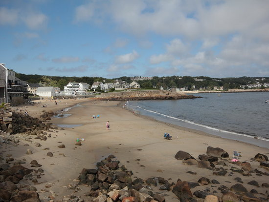 Brackett's Oceanview Restaurant: View of beach from near Brackett's