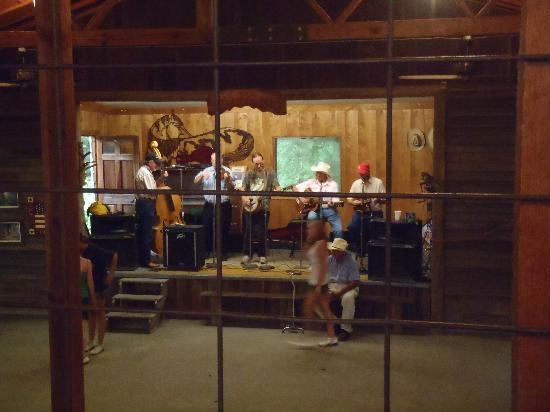 Granite Falls, NC: Musician stage