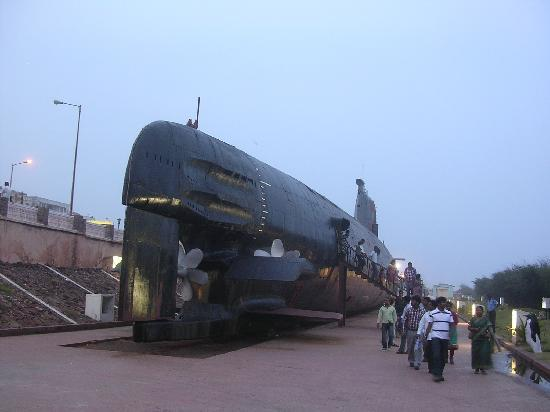 Submarino museo INS Kurusura: the submarine museum.......