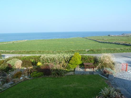 Fanore, Irlandia: View from Orchid House