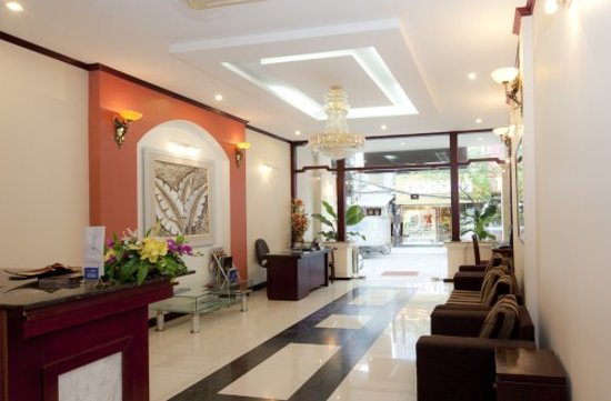 Hanoi Triumphal Hotel: Reception Area